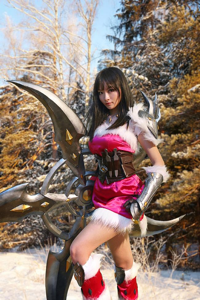 doc-dao-cosplay-nu-tuong-sivir(4)