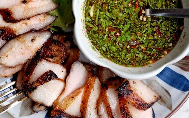 Thịt áp chảo kiểu Thái